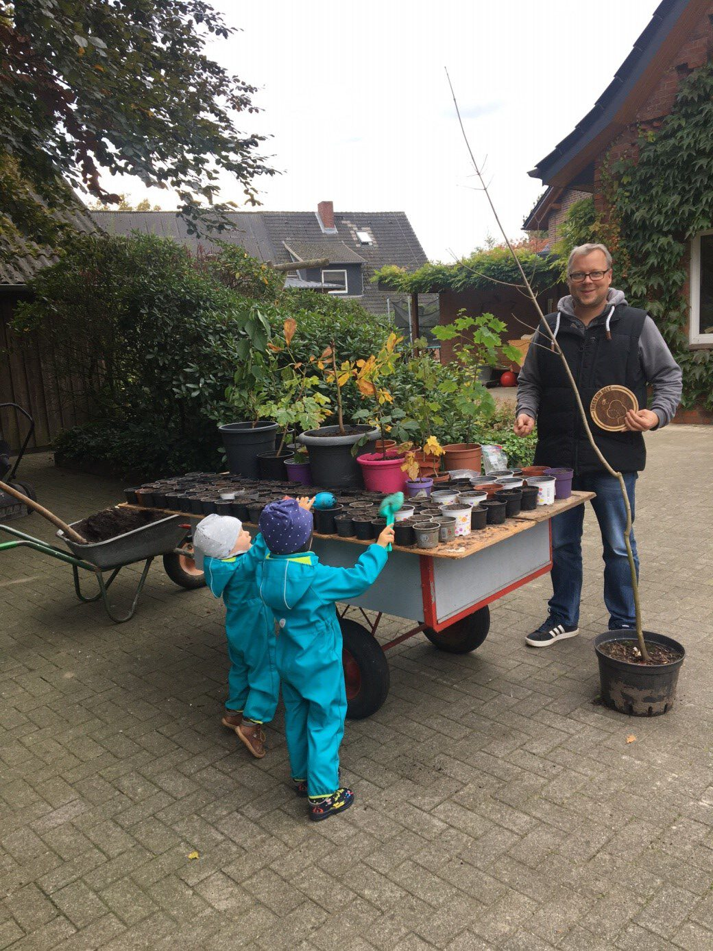 """Der """"Trees For Bees Kindergarten"""" steht!"""
